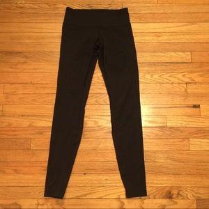 Lululemon black skinny leg workout pants - sz 4